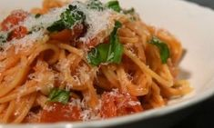 11 bombajó babapiskótás süti hétvégére fél óra alatt   NOSALTY Penne, Pasta, Food Inspiration, Delish, Spaghetti, Meat, Chicken, Baking, Ethnic Recipes