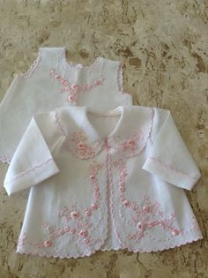 New ideas embroidery baby dress children Baby Girl Dresses, Baby Outfits, Baby Dress, Kids Outfits, Sewing Baby Clothes, Baby Sewing, Doll Clothes, Baby Embroidery, Baby Girls Clothes