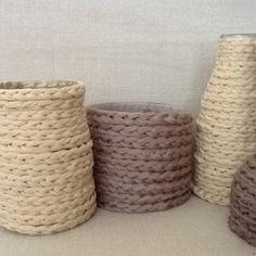 Glazen potten met gevlochten touw