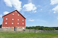 Maryland Agricultural History Farm Park Wedding 550x366 DIY Laid Back Maryland Wedding Ceremony: Kelly + David