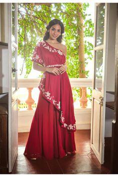 Indian Gowns Dresses, Indian Fashion Dresses, Dress Indian Style, Indian Designer Outfits, Designer Dresses, Indian Wear, Evening Dresses, Lehenga Crop Top, Lehenga Skirt