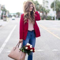 10 outfits románticos con rojo que enamorarán a cualquiera