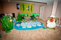 Princess and the Frog party- I love this set up!! ko's birthday idea