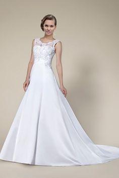 I love this cute Fashion Concise Lace Sleeveless Chapel Train Wedding dress!