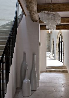 Fotos de una casa de campo de estilo moderno. Magnífica casa de campo de paredes de piedra                                                                                                                                                                                 Más