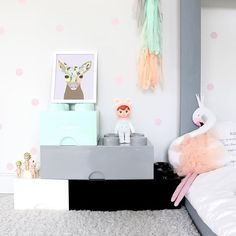 Have you thought in add some grey touches to your children room? Grey is ideal for both boys and girls, and it's a tone easy to match. I'm sure you've seen grey in Scandinavian or minimalistic kids spaces, but this colour is suitable for other decorating styles too. A white wall is the perfect canvas, but […]
