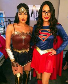 Nikki Bella as Wonder Woman & Brie Bella as Supergirl. Brie Bella Wwe, Nikki And Brie Bella, The Bella Twins, Bella Sisters, Superman, Dc Comics, Famous Twins, Twin Halloween, Halloween 2018
