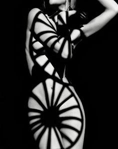 Photo by Greg Lotus. Circular stripes.