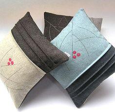 Tweed cushion (Berry)