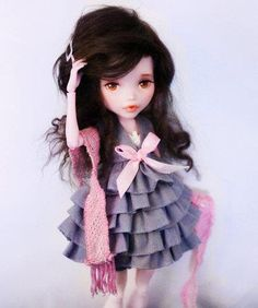 ♥ Monster High; like the hair & dress.