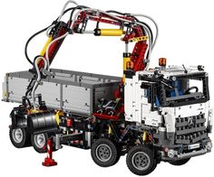 LEGO Technic 42043, Mercedes-Benz Arocs 3245 - Live Build Event (Warm-Up)