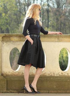 Skládaná sukně černá