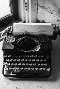 This looks very much like the Remington I learned to type on, which is the same Remington that my mother learned to type on in the '30s.