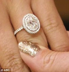 """Andi Dorfman (27-year-old / 04.03.87) showed Kelly Ripa & Michael Strahan (ABC's 'Live Kelly & Michael') her Neil Lane rock, which Life & Style Weekly estimated was 4.4 carats (center 3 ct oval). Josh Murry (08.12.84) & Andi are planning a Spring 2015 wedding, which will air on ABC & ABC """"easily shell out $1 million for the affair."""" (per Heavy.com) (07.29.14)"""