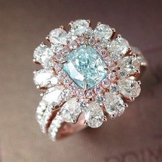 A color so beautiful, it can only be found in nature. A 1.03 carat Fancy Light…
