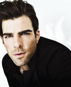 Zachary Quinto, why are you so beautiful? Beautiful Men, Beautiful People, Nos4a2, Zachary Quinto, Chris Pine, Well Dressed Men, American Actors, American Horror, Attractive Men