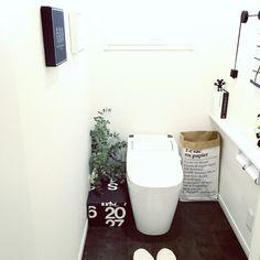 QueenBee16さんの、バス/トイレ,ディスプレイ,北欧,白黒,モノトーン,ユーカリ,トイレの壁,MONOTONE,IGやってます,ペーパーバック,白黒マニア,megu.k1016,のお部屋写真