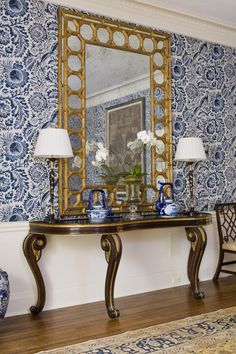 Blue and White via Waiting on Martha A bold blue and white wallpaper works beautifully with Chinoiserie elements including a bamboo mirror, blue and white Chinese porcelain, and Chinese Chippendale chairs. Decor, Bold Wallpaper, House Design, Furniture, Interior, Diy Home Decor, Home Decor, Blue And White Wallpaper, White Decor