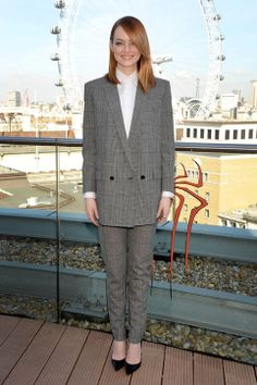 Emma Stone Looks Divine in That Gray Saint Laurent Pantsuit (How to rock a pant suit)