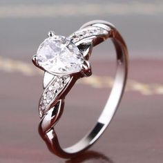 Beautiful engagement lady ring 18K white GF white topaz band ring Sz8