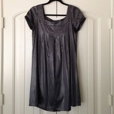 H&M shimmery babydoll dress, sz 6 Babydoll silhouette, blue/grey shimmery fabric. Comfy and cute. Size 6. H&M Dresses