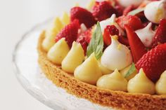 Tarte printanière - fraises, citron, basilic, meringue
