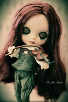 Blythe Dolls For Sale, Close Your Eyes, Cute Dolls, Bjd, Attitude, Halloween Face Makeup, Beautiful, Staging, Pretty