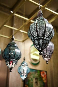 Our Kashmir-inspired design collection Farah Baksh at the Good Earth Raghuvanshi Mills store in Mumbai. See more photos on Facebook http://www.facebook.com/GoodEarthIndia