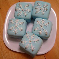 Snowflake Petit Fours