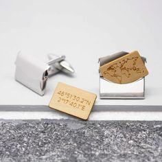 A sleek pair of personalized envelope cufflinks containing wooden inserts etched with a world map outline, and the coordinates of your chosen location! A great way to remember a special occasion or anniversary. Online Gift Shop, Online Gifts, World Map Outline, Best Friend Christmas Gifts, Free Facebook Likes, Personalized Gifts For Men, Jewelry Tray, Works With Alexa, Wooden Gifts