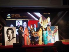 #TheBrandLaureate Icon Award Throwback 2014 Awesome #artistic #portrait #drawings. Done live that moment!
