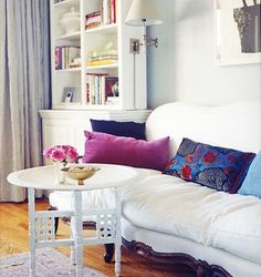Rashida Jones' sofa