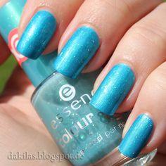 Dakila´s NailBlog - Alessandro - 218 & Essence - 25 Glisten Up!