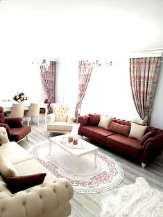 Dekorasyonu ve tadilatı kendi zevkimdir. Interior Design Living Room, Living Room Decor, Bedroom Decor, Elegant Living Room, Cushions On Sofa, Pillows, Home Decor Inspiration, Decor Ideas, Decoration