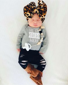 Baby girl in our lace shredded leggings - Baby Girl Leggings - Ideas of Baby Girl Leggings My Baby Girl, Twin Baby Girls, Baby Girl Shirts, Baby Girl Newborn, Baby Love, Easter Outfit For Girls, Baby Girl Leggings, Baby Outfits, Newborn Girl Outfits
