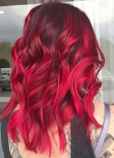 54 Gorgeous Vibrant Red Hair Color Shades for Visit here to see the elegant and sophisticated ideas of vibrant red hair colors for women in Its amazing and effortless hair colors for. Hair Color Shades, Ombre Hair Color, Cool Hair Color, Hair Colors, Vibrant Red Hair, Hair Color 2018, Brown Ombre Hair, Hair Color For Women, Hair Color Highlights