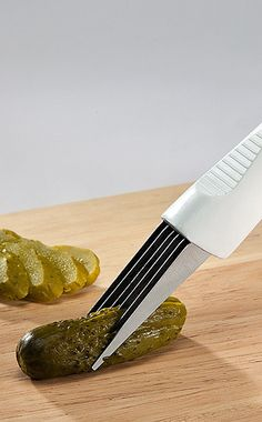 Six blade slicer // Slice thin ribbons of pickles, olives, strawberries, mushrooms and more - handy kitchen gadget! Home Gadgets, Kitchen Tools And Gadgets, Cooking Gadgets, Cooking Tools, Kitchen Hacks, Kitchen Helper, Toy Kitchen, Kitchen Items, Kitchen Stuff