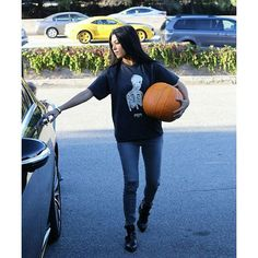 @kourtneykardash leaving a pumpkin patch in Calabasas, California, on Thursday. (10/29/15)