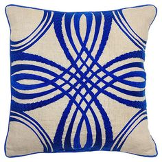 Add a pop of pattern to your sofa or loveseat with this charming linen pillow, showcasing an intertwining motif for eye-catching appeal.