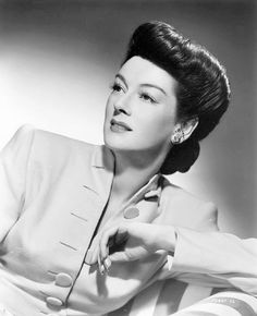 Rosalind Russell and her fantastic hair, 1944