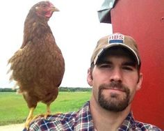 Chicken felfie (farm selfie) -  HAHAHAHHAHAHAHAHA! Cute chicken though, haha!