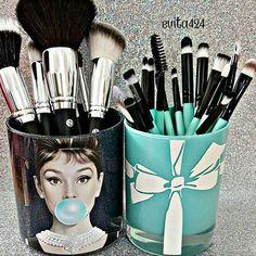 Makeup Organizer Sephora either Makeup Brushes In Carry On. Acrylic Makeup Brush Holder With Lid; Makeup Brush Holder For Travel Cute Makeup, Diy Makeup, Makeup Geek, Simple Makeup, Natural Makeup, Makeup Ideas, Beauty Makeup, Rangement Makeup, Makeup Storage Organization