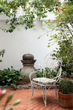 Em qualquer cantinho, você pode realizar o sonho de cultivar folhagens, espécies floridas e arbustos.