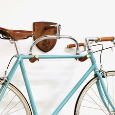 Weekly sales of unseen design and decoration brands at exclusive discounts. Fixi Bike, Bicycle Art, Velo Vintage, Vintage Bicycles, Bicycle Hanger, Indoor Bike Rack, Bike Wall Mount, Recycled Bike Parts, Bicycle Storage