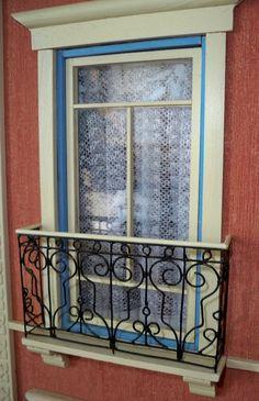 A principios de julio comencé a realizar unas rejas para los balcones de mi pequeña casa. Pensé que este verano dedicaría m...
