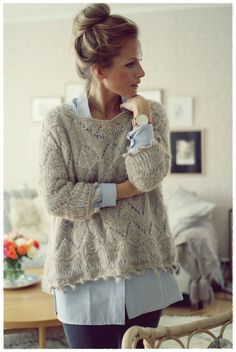 DIY reikäneule | Me Naiset Knitting Socks, Hand Knitting, Knitting Patterns, Knit Fashion, Fashion Outfits, Diy Crafts Knitting, Scandinavian Fashion, Boho Fashion Summer, Knitted Shawls