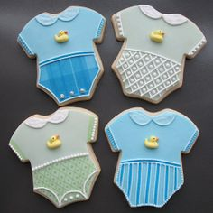 BABY Onesie Cookie Favors Celebrate the arrival of a new baby with our adorable Onesie cookies! Fancy Cookies, Sweet Cookies, Iced Cookies, Cute Cookies, Easter Cookies, Cupcake Cookies, Sugar Cookies, Torta Baby Shower, Baby Shower Cookies