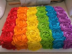 A rainbow cake is fun to look at and eat and a lot easier to make than you might think. Here's a step-by-step guide for how to make a rainbow birthday cake. Pretty Cakes, Cute Cakes, Beautiful Cakes, Bolo My Little Pony, Rose Swirl Cake, Super Torte, Rainbow Roses, Cake Rainbow, Rainbow Swirl