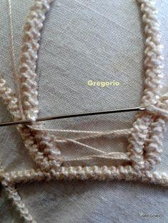 PIZZO MACRAME' RUMENO - POINT LACE : New! Ricamo Foglia Hand Embroidery Videos, Hand Embroidery Stitches, Ribbon Embroidery, Cross Stitch Embroidery, Crochet Circles, Crochet Motif, Freeform Crochet, Crochet Lace, Lace Patterns