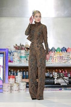 2. - Jan Taminiau showt nieuwe collectie voor de wereldse vrouw  - Nieuws - Fashion 2016